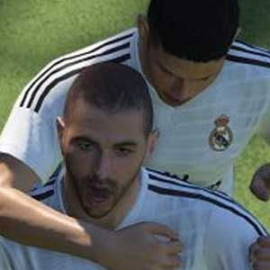 Pro Evolution Soccer 2016 PS4 - K. Benzema