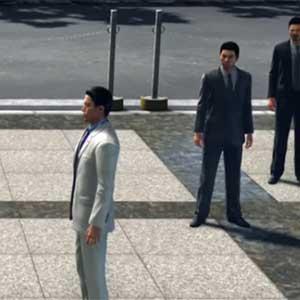 Kazuma Kiryu trying to find Hakura